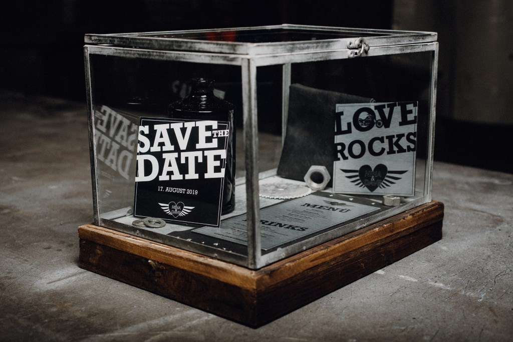 Save the Date Karten im Rockerstil